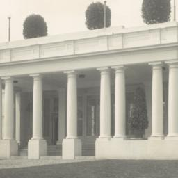 [White House, entrance of E...