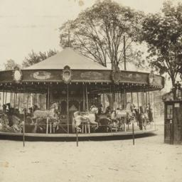 Carousels: Carousel with si...