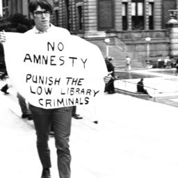 No Amnesty sign