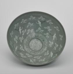 Bowl with a Design Depicting a Double-Geese Medallion, Flying Cranes, and Clouds, Top