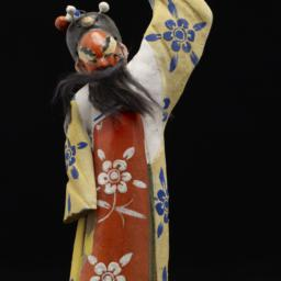 Male Peking Opera Figurine ...