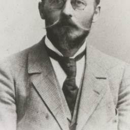 August Hofman, Lama Anagari...