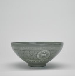 Bowl with a Design Depicting a Double-Geese Medallion, Flying Cranes, and Clouds, Side