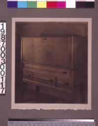 Master bedroom letter desk.